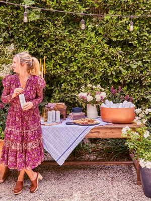 PRESS Premium Alcohol Seltzer Partners with Interiors Stylist Emily Henderson to Elevate Summer Backyards into 'Stylish Seltzer Gardens'