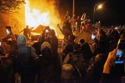 Most Voters Want Congress to Investigate the 574 Violent Riots in 2020 that resulted in over 2,000 injured police officers as well as the January 6th riot at the US Capitol