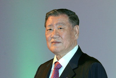 Hyundai Motor Group Honorary Chairman Mong-Koo Chung Inducted Into Automotive Hall of Fame at Official Ceremony