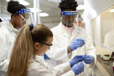 Forensic Sciences Mentoring Institute Students Present at Thomas Jefferson University