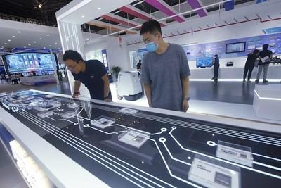 La industria de CI de China acelera la producción de chips avanzados, según un experto