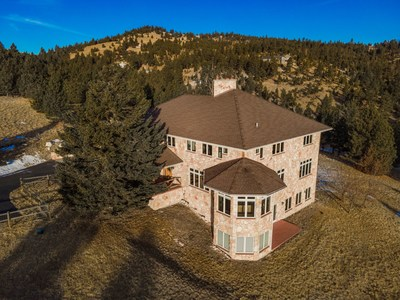 As People Flock to Montana From California, New York and Other States, Luxea Auctions Offers a Stunning Montana Living 8,600 Square Feet on 20 Acres Backed by 100 Acre Forest