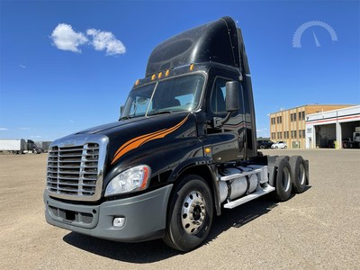 AuctionTime and a Sandhills Global Email Blast Bring Top Dollar for Midwest Motor Express Trucks