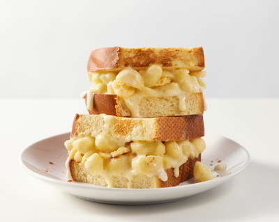 Panera Debuts Grilled Mac & Cheese Sandwich - Two Panera Favorites Come Together For The Ultimate Fall Menu Collab