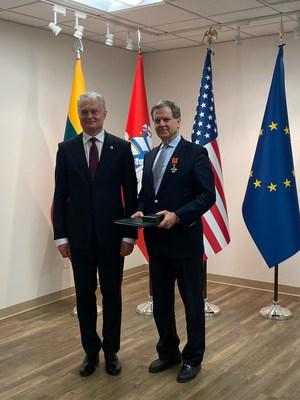 Lithuania Honors American Jewish Committee CEO David Harris
