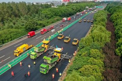 La flota de construcción de carreteras no tripulada de XCMG completa el mantenimiento de carreteras nacionales