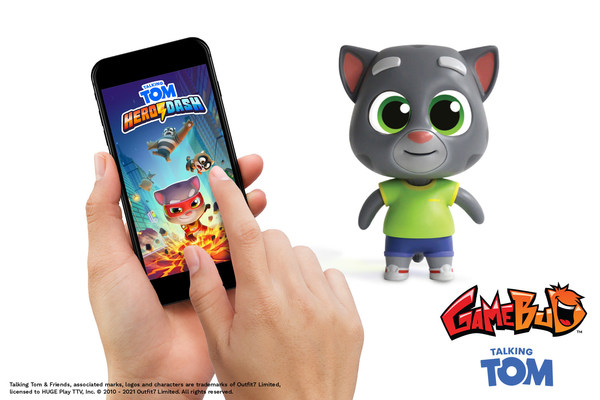 HUGE! Play, Outfit7, and Epic Story Media Launch World's First Talking-Animatronic Streamer:  GameBud Talking Tom
