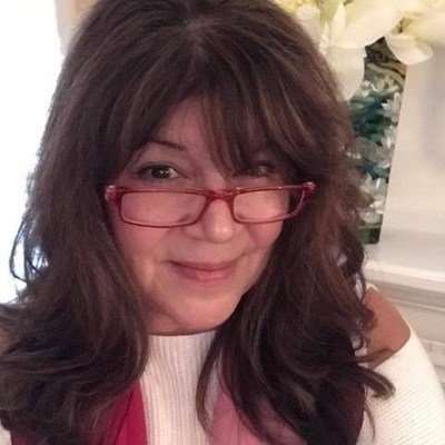 Genetic Genealogist Geraldine Berger Helps Adoptees and Others to Solve Family Mysteries With Her New Guide, Living In The Know
