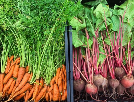 Hallmark's Crown Garden Donates More than 1,000 Pounds of Produce to Kansas City-Area Families