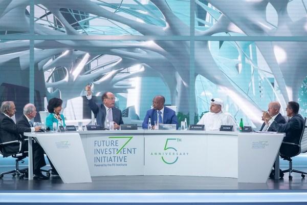 Debate de la sesión de apertura del quinto aniversario de FII centrado en invertir en la humanidad