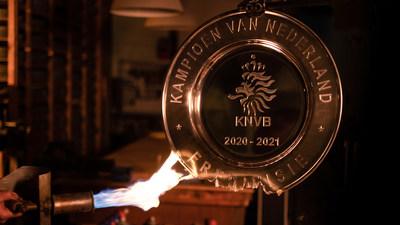 Ajax funde el trofeo para sus aficionados