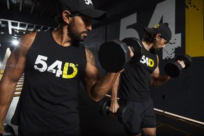 54D lanza nuevos entrenamientos para los graduados de su programa digital