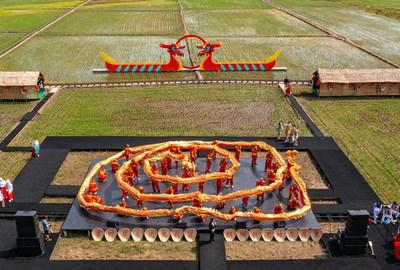 El 4.º Festival Xibe del Barco del Dragón del Pantano, en el nuevo distrito de Shenyang del Norte, se inauguró por lo alto